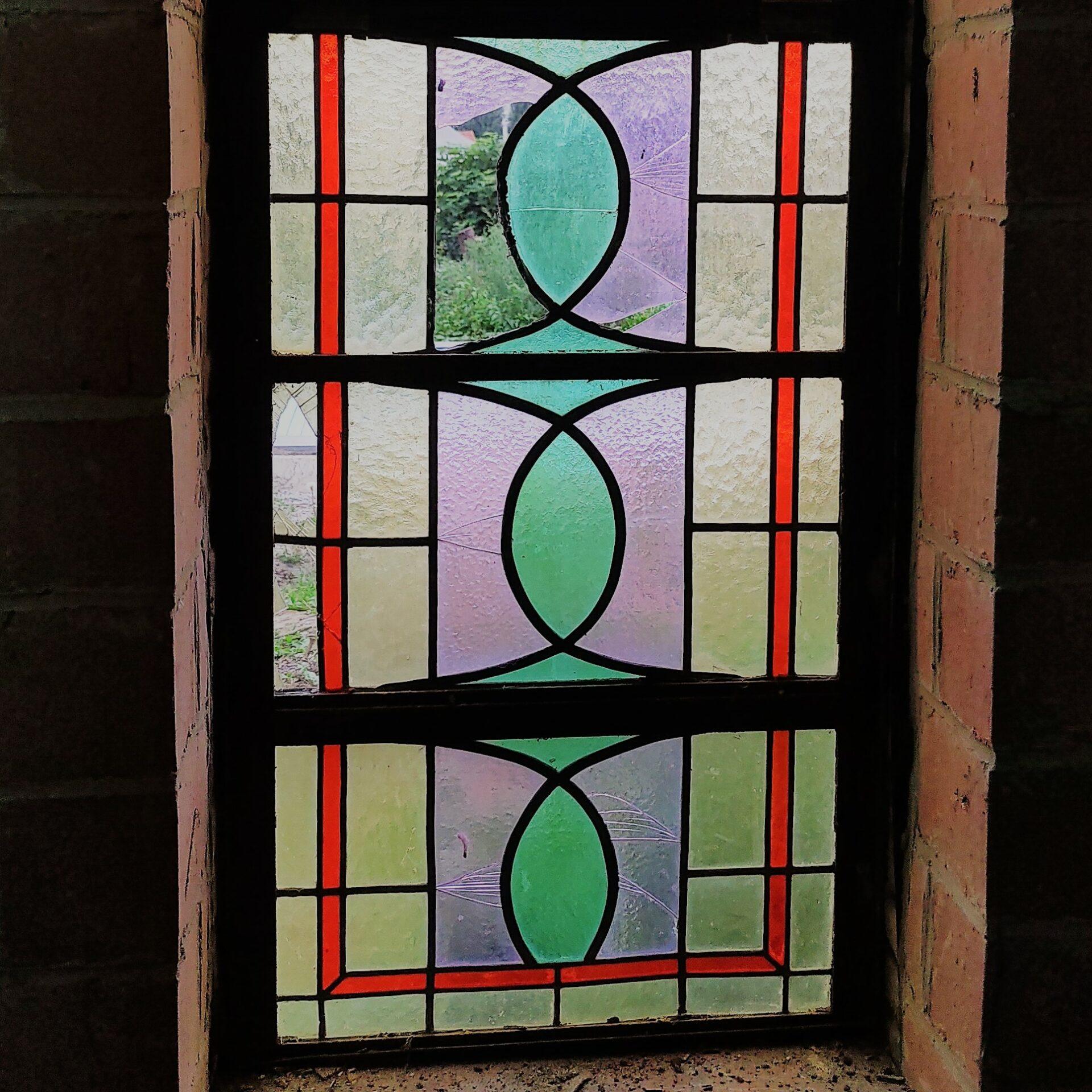 Gebroken glasraam vitrail habimé broken stained glass