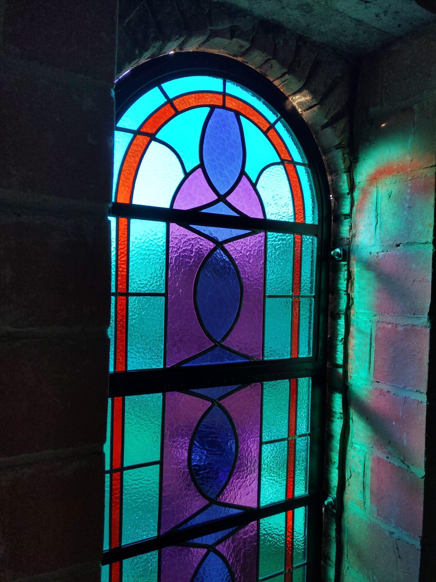 Make over glasramen kathedraalglas Geraardsbergen Isabelle Decallonne