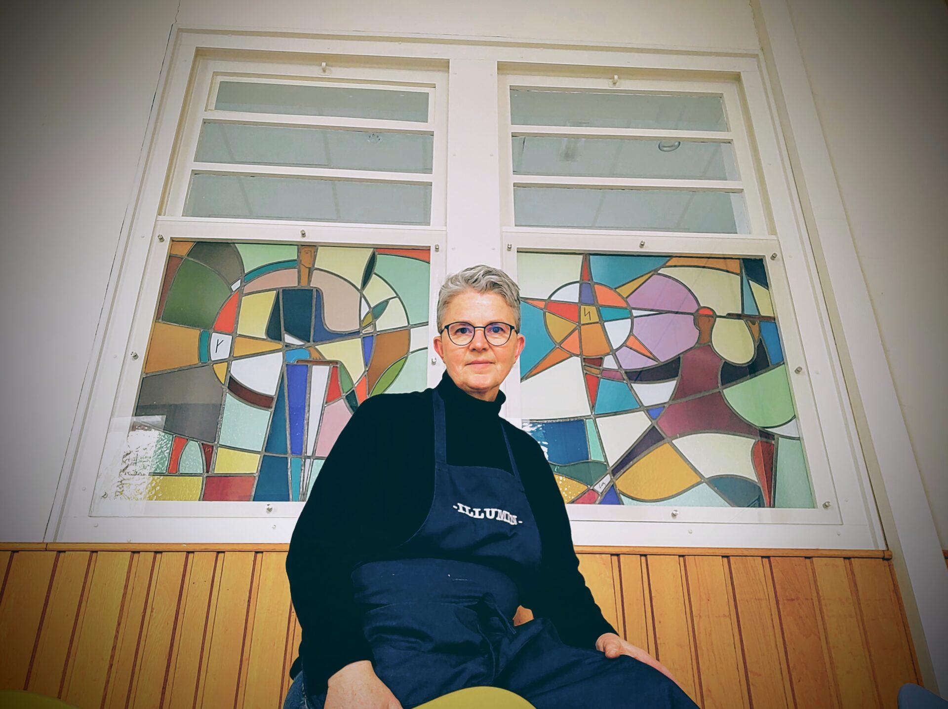 Isabelle Decallonne Atelier Illumen herstelling glasramen Regina Caeli Dilbeek Bonte zaal